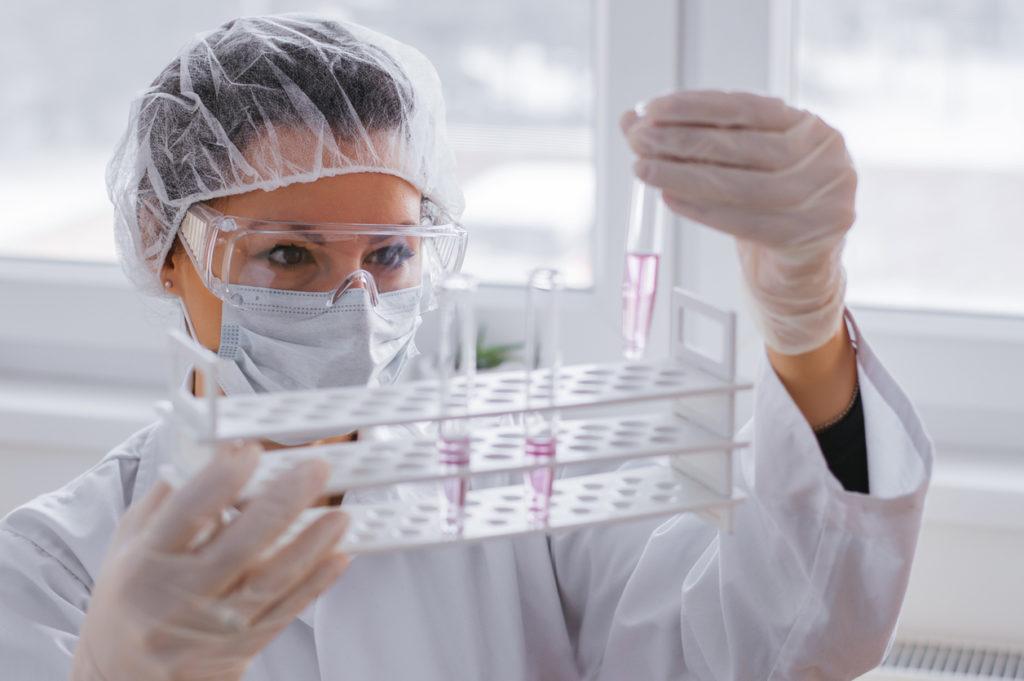 Per Big Pharma in molti casi conviene evitare l'arrivo dei vaccini. Garantisce entrate programmabili e permette di delimitare il proprio target ai Paesi ricchi © nortonrsx/iStockPhoto